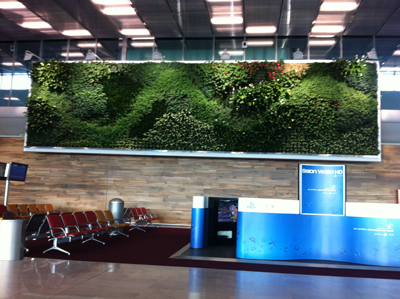 charles-de-gaulle-living-wall